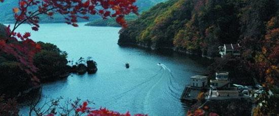 海岸风景  关门山国家森林公园位于本溪市东南70公里处,森林公园占地